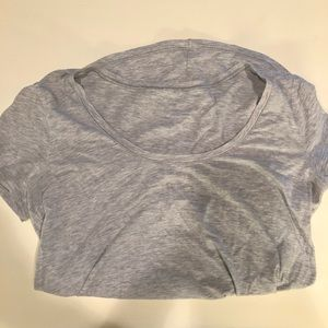 Lululemon gray T-shirt